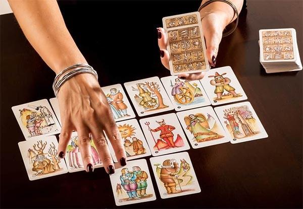 tirar cartas del tarot